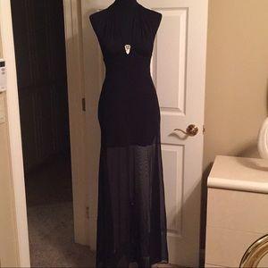 Gorgeous Tadashi super sexy gown
